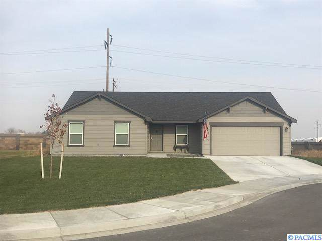 6815 Crooked River Ct, Pasco, WA 99301 (MLS #241862) :: Columbia Basin Home Group