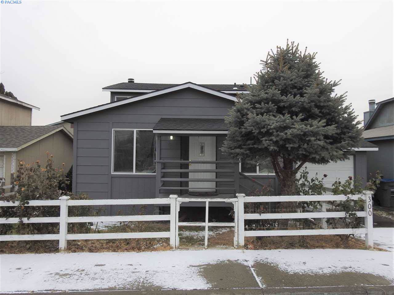 300 8th Ave. - Photo 1