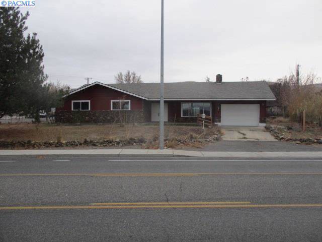 1895 Wine Country Road, Prosser, WA 99350 (MLS #242530) :: Dallas Green Team