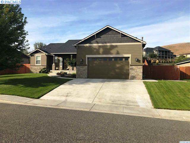 1455 Badger Mountain Loop, Richland, WA 99352 (MLS #243693) :: Community Real Estate Group