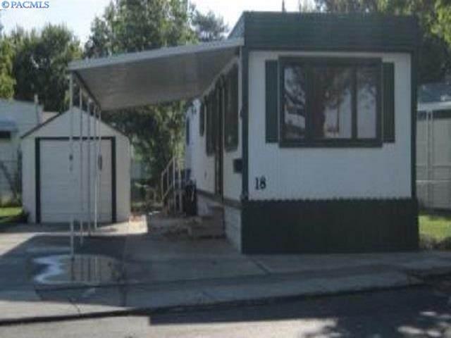 18 Log Lane, Richland, WA 99352 (MLS #243813) :: Dallas Green Team