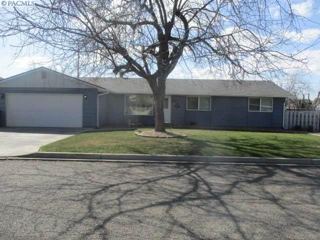 204 Jefferson Drive, Grandview, WA 98930 (MLS #244730) :: The Phipps Team