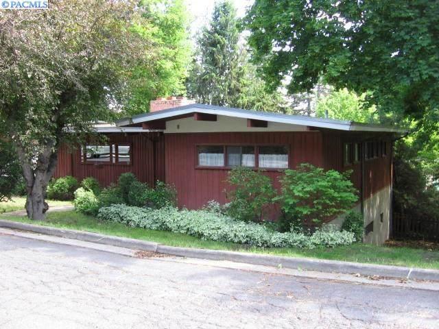 1725 NE Lower Drive, Pullman, WA 99163 (MLS #246645) :: Premier Solutions Realty