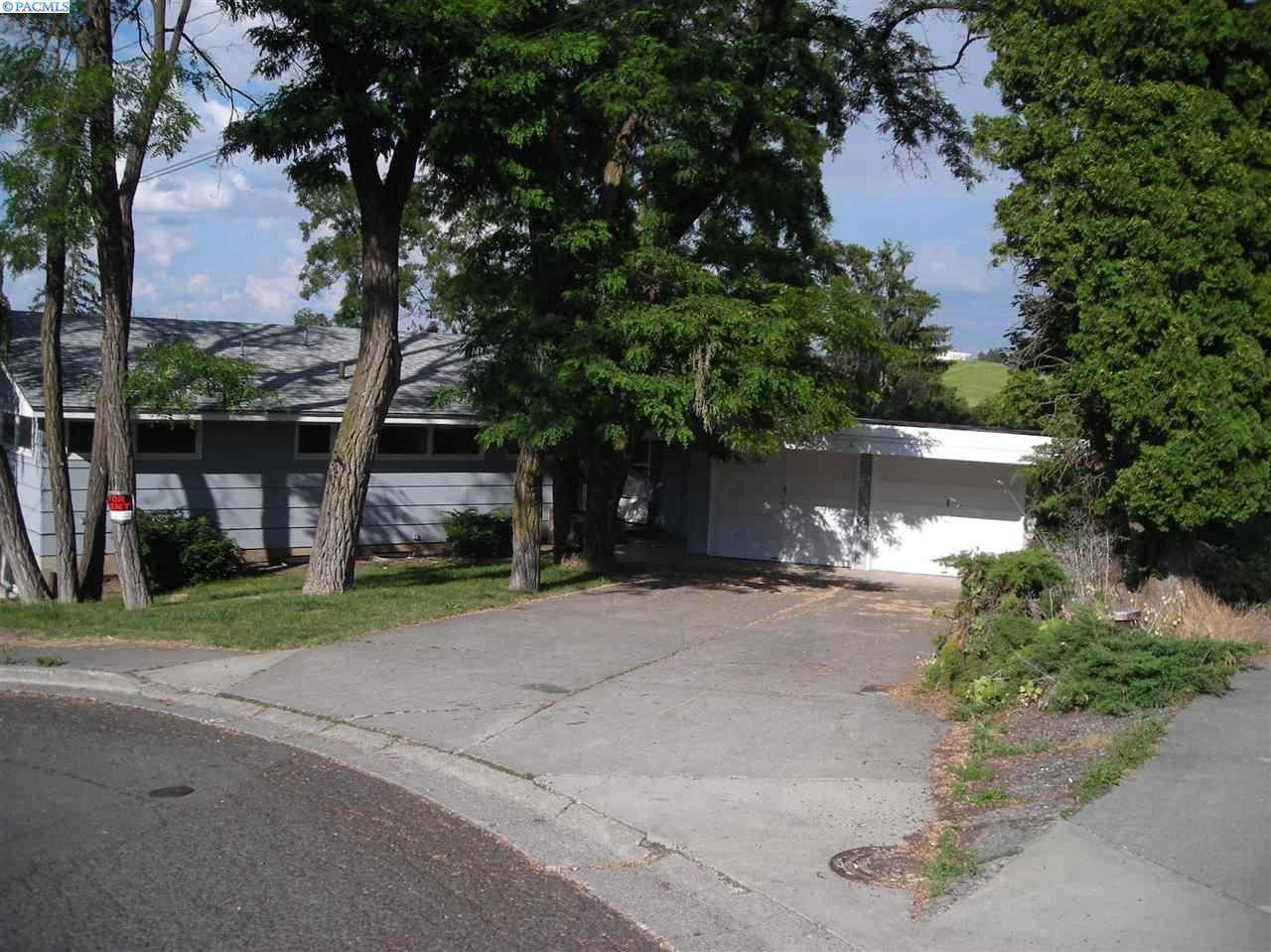 1835 Upper Dr - Photo 1