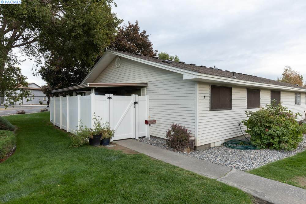 4203 Kennewick Ave. - Photo 1