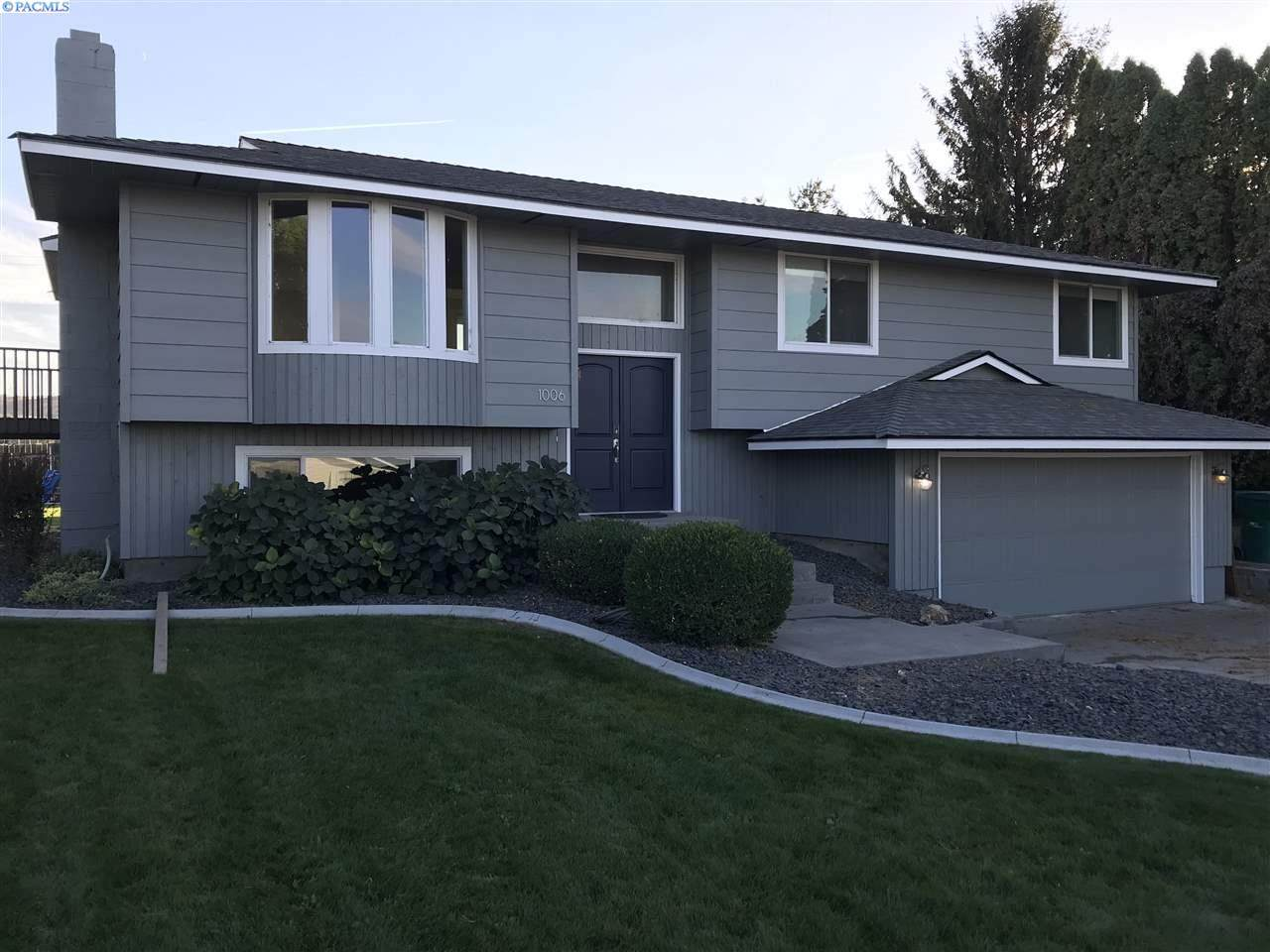 1006 44th Ave - Photo 1
