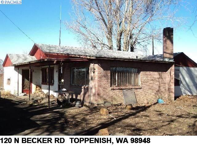 120 N Becker, Toppenish, WA 98948 (MLS #249867) :: The Phipps Team