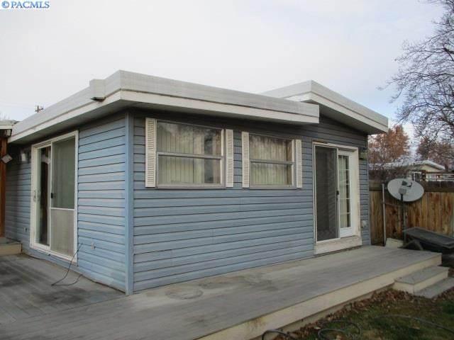 593 N 59th, West Richland, WA 99353 (MLS #250172) :: Matson Real Estate Co.