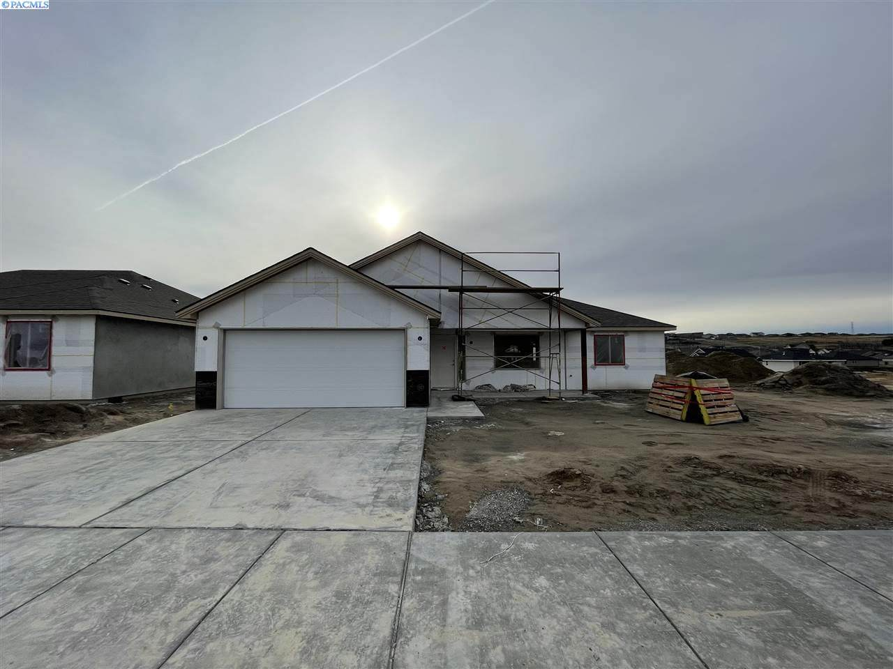 5707 32nd Ave - Photo 1