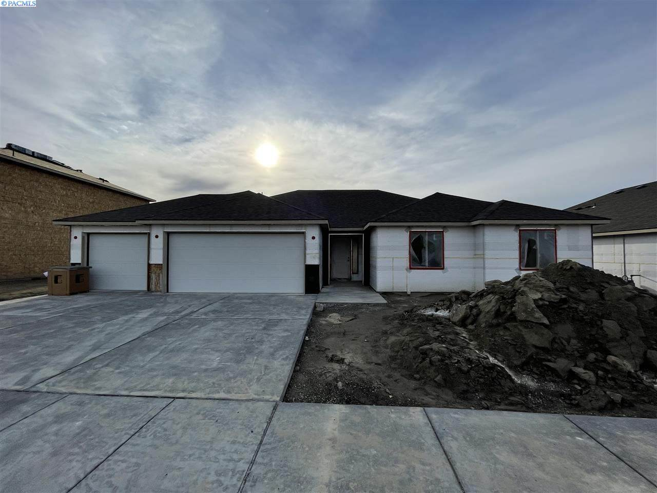 5701 32nd Ave - Photo 1