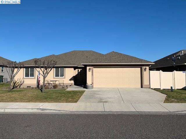 2690 Torrey Pines Way, Richland, WA 99354 (MLS #251009) :: Premier Solutions Realty