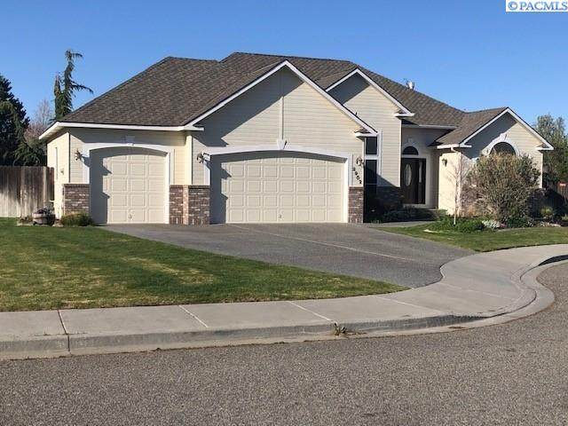 2902 W 38th Ct, Kennewick, WA 99337 (MLS #252906) :: Columbia Basin Home Group