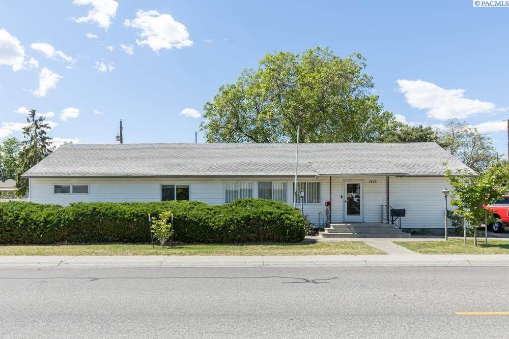 1515 Stevens Drive - Photo 1