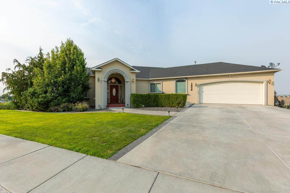 1676 Meadow Hills Dr - Photo 1