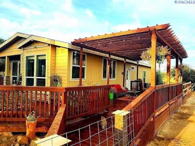 7302 S Moore Rd, Prosser, WA 99350 (MLS #255296) :: Matson Real Estate Co.