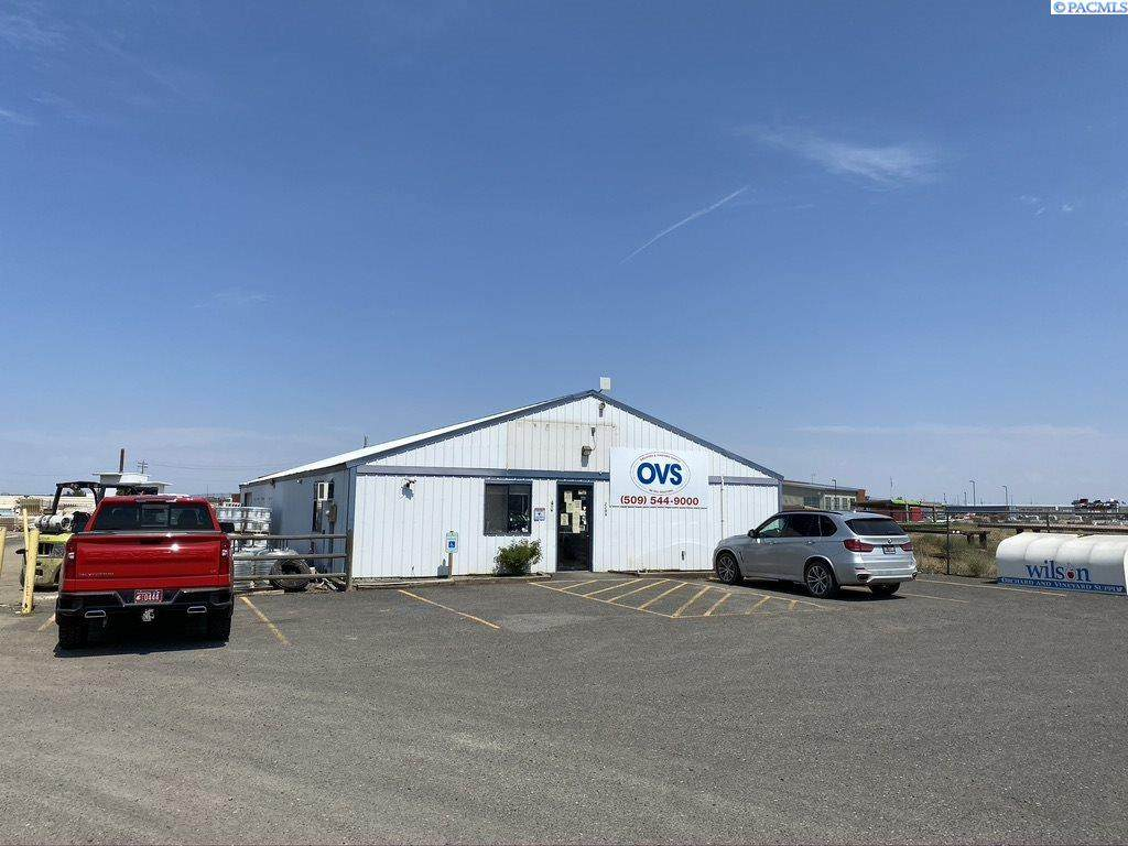 2205 Commercial Ave - Photo 1