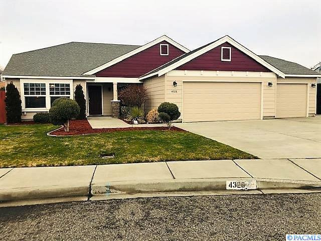 4326 W 9th Pl, Kennewick, WA 99336 (MLS #234924) :: Premier Solutions Realty