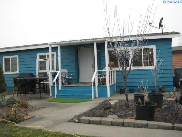 2917 19th Ave - Photo 1