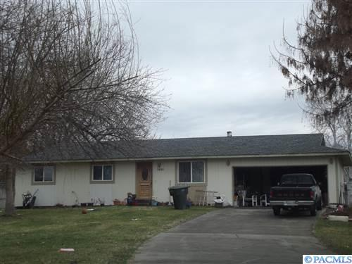 3809 Meadowsweet St., Pasco, WA 99301 (MLS #227341) :: The Lalka Group