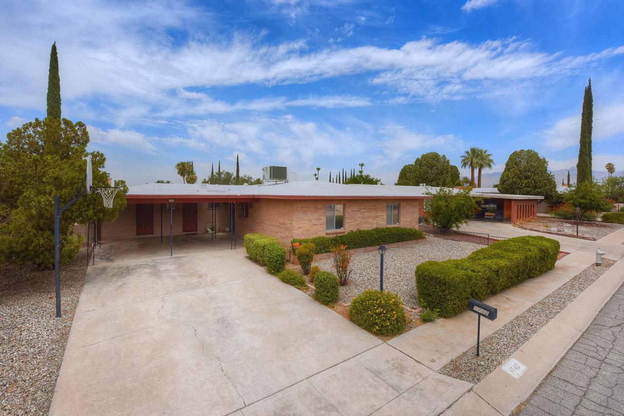 1742 Palm Springs Circle - Photo 1