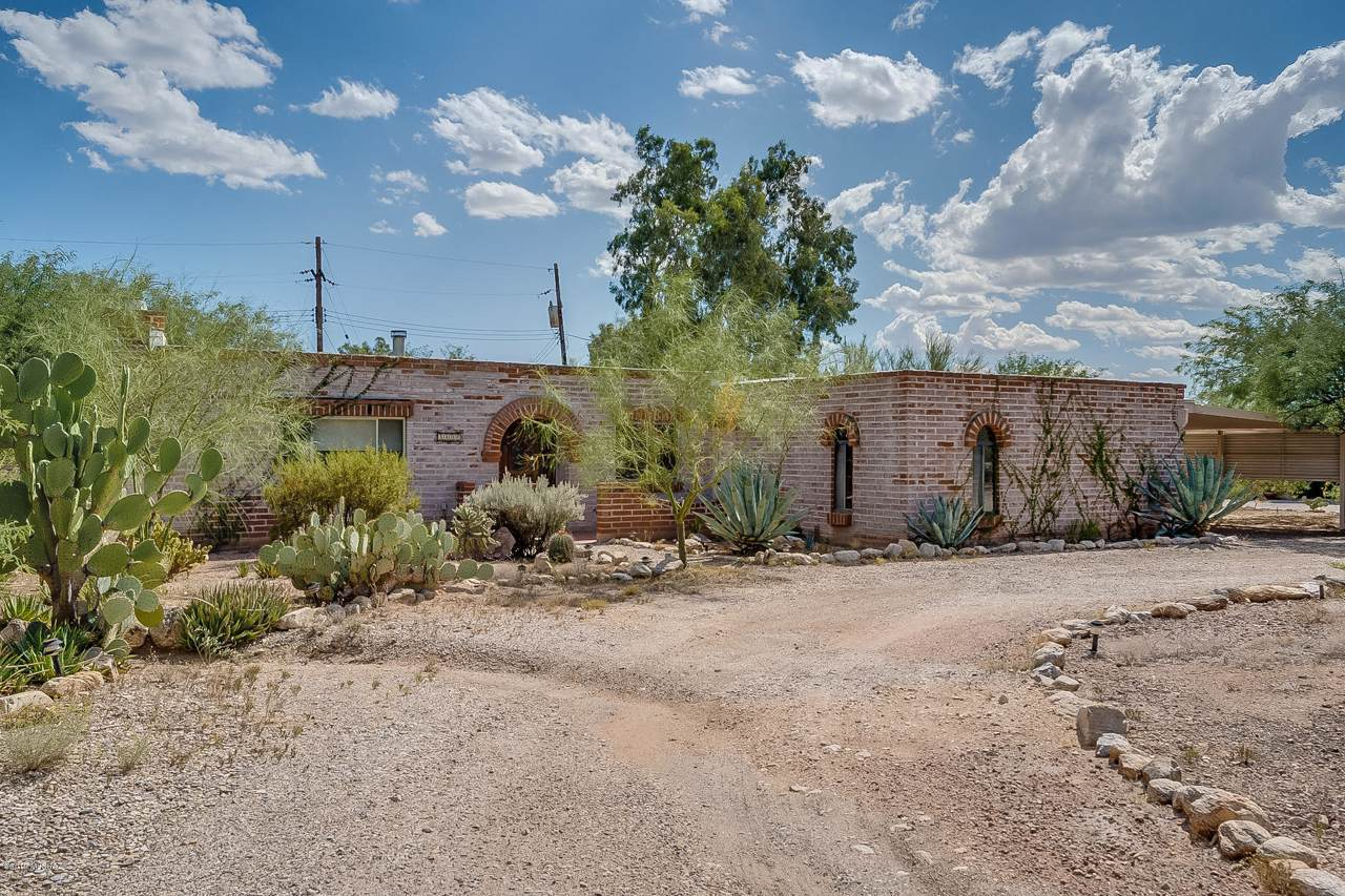 8802 Buckboard Road - Photo 1