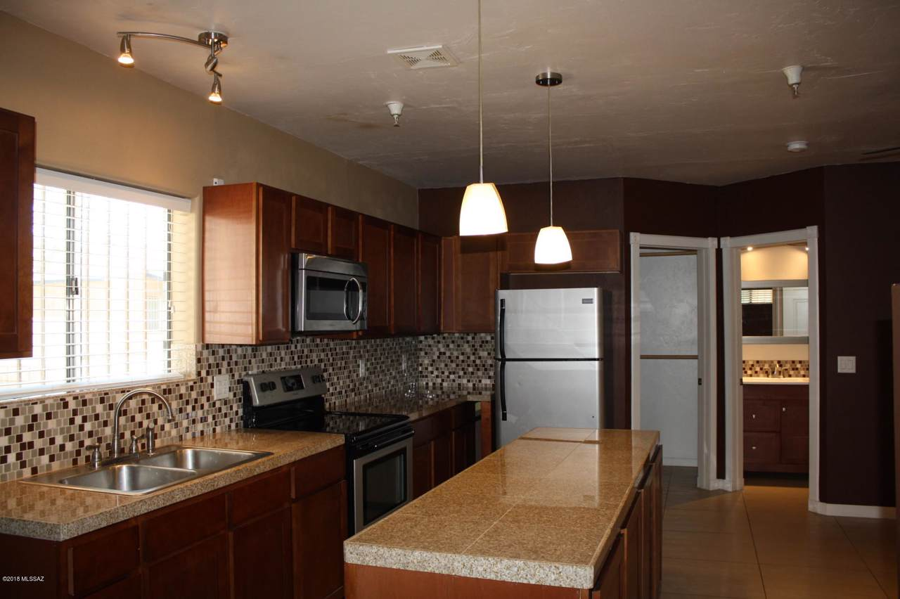 340 Yavapai Road - Photo 1