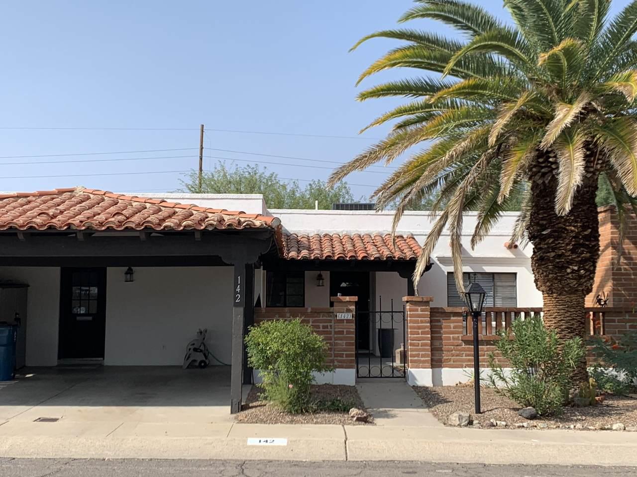 142 Los Robles - Photo 1