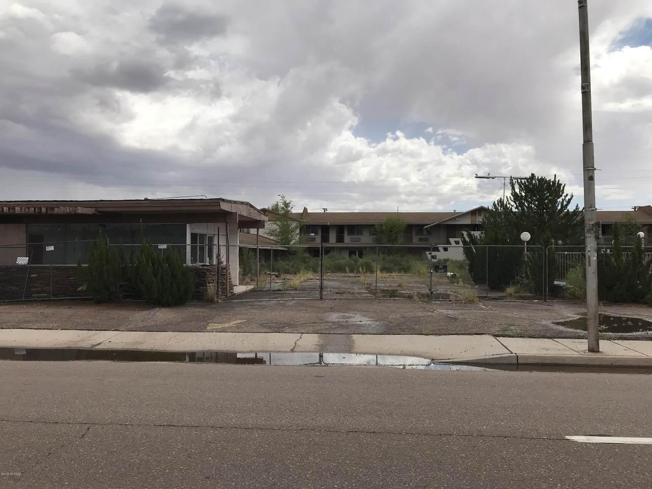 1009 Hopi Drive - Photo 1