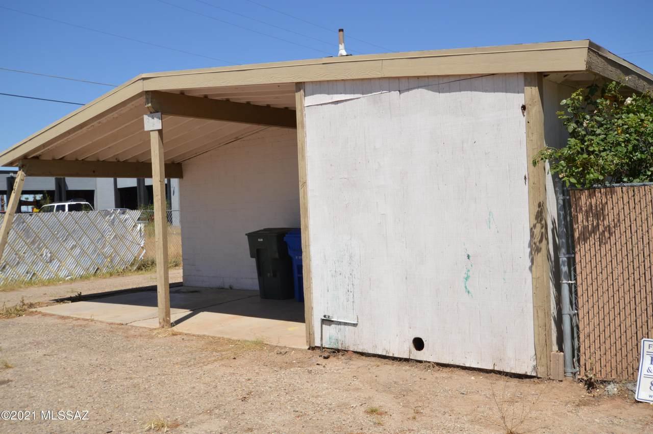 328 Navajo Road - Photo 1