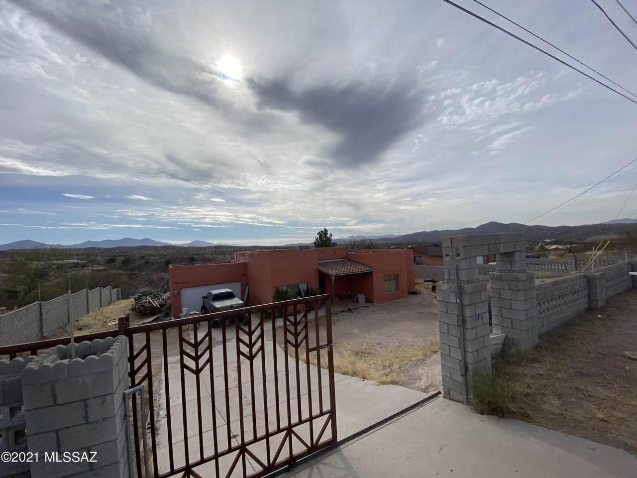 1009 Calle Coyote - Photo 1