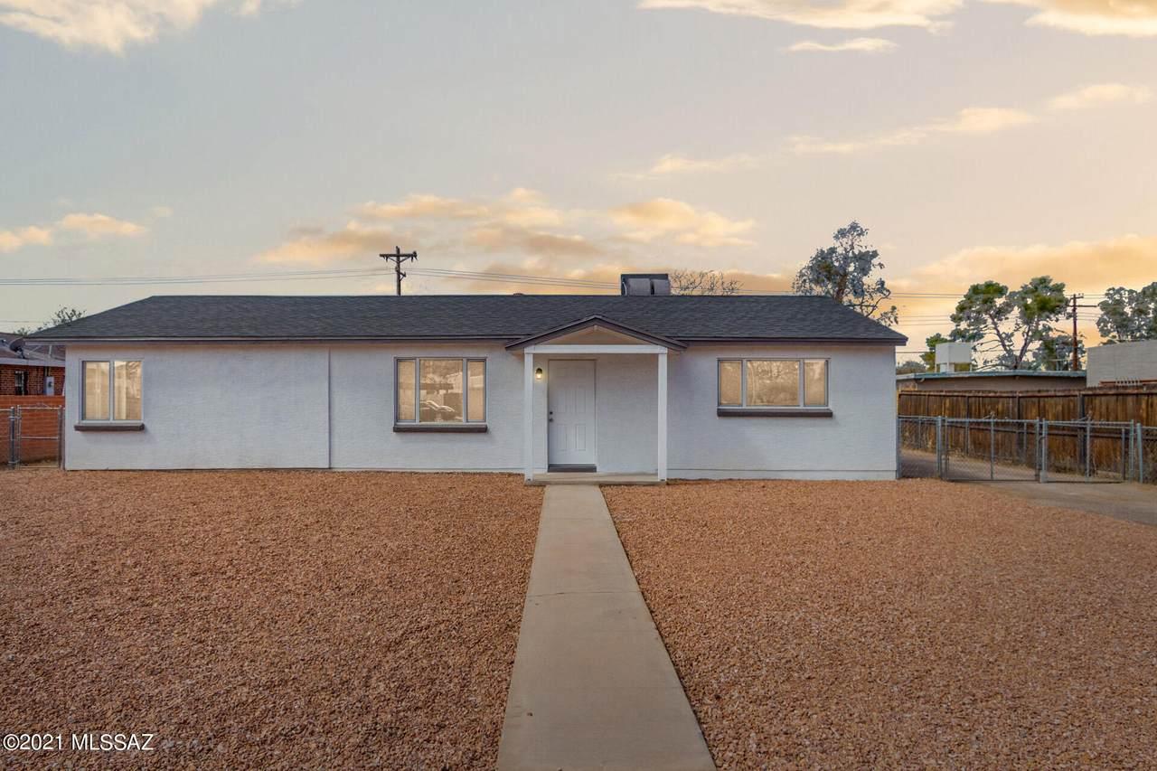 2311 Tucson Boulevard - Photo 1
