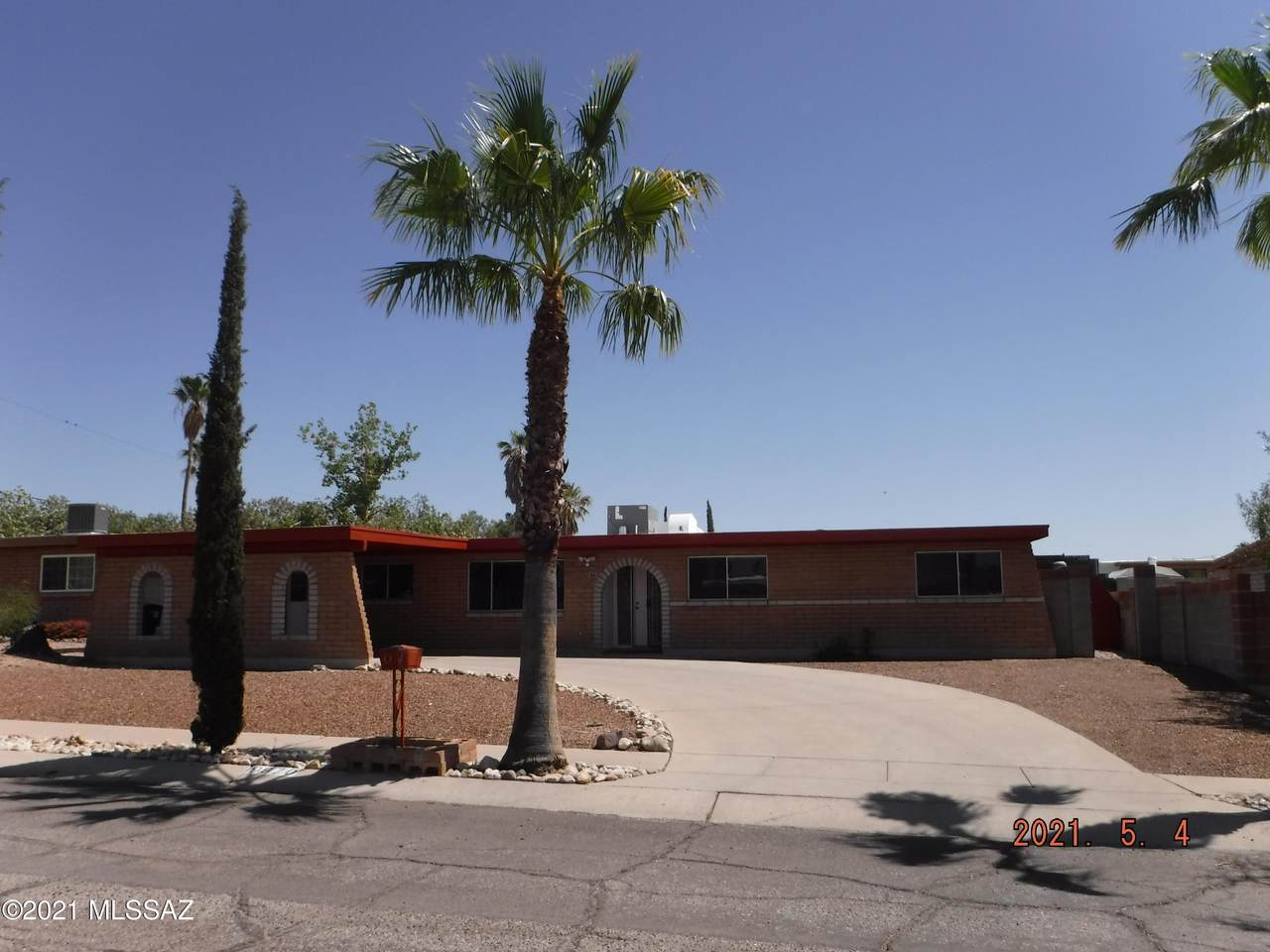 9870 Lucille Drive - Photo 1