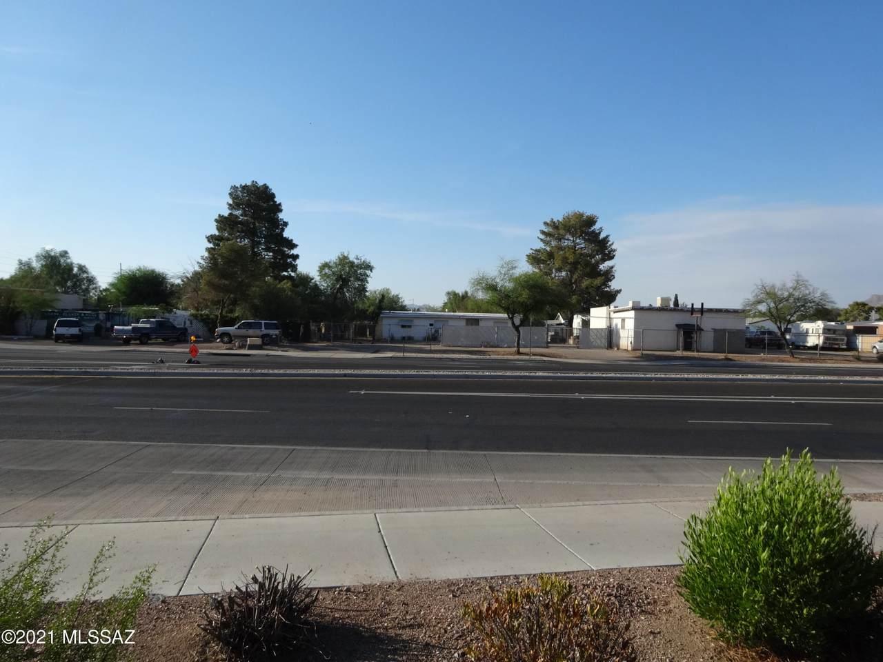 2040 Ruthrauff Road - Photo 1