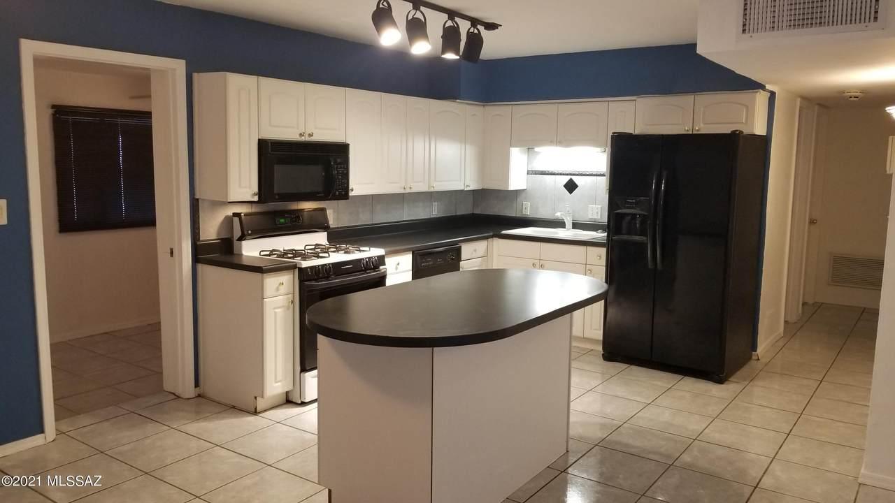 4050 Kostka Avenue - Photo 1