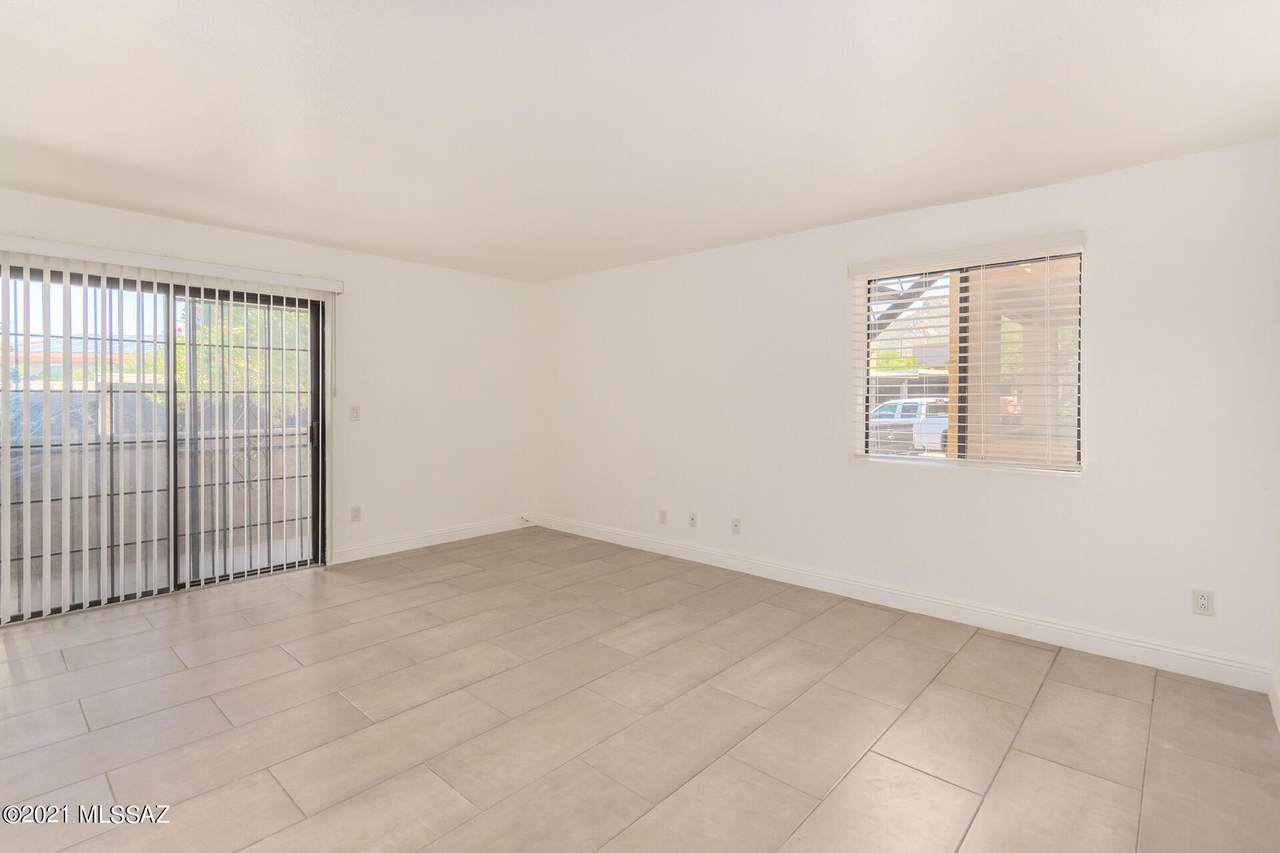 8263 Oracle Road - Photo 1