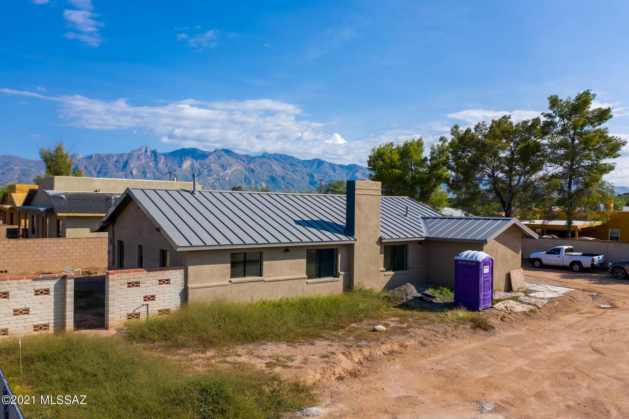 2225 Fort Lowell Road - Photo 1