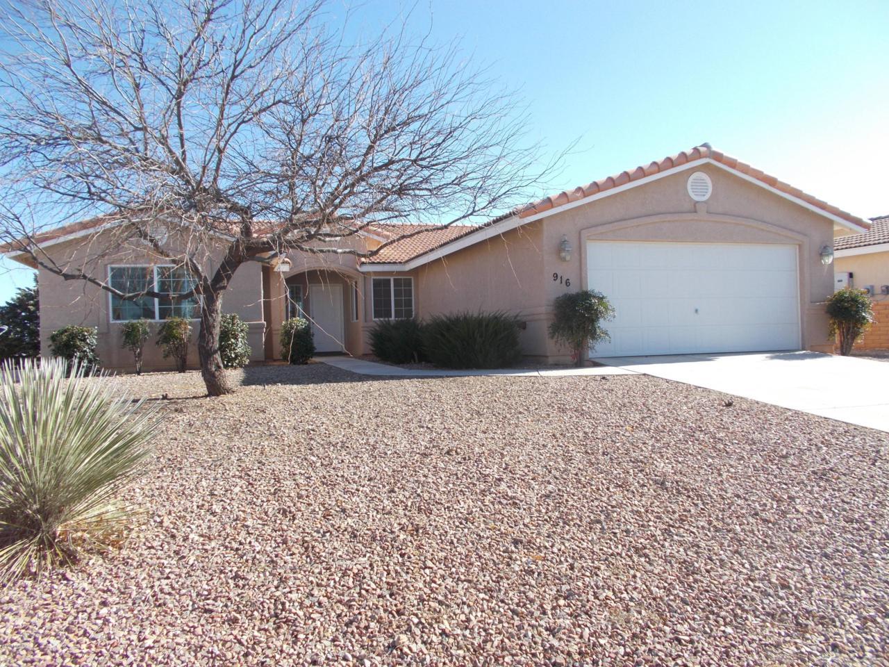 916 Saguaro Drive - Photo 1