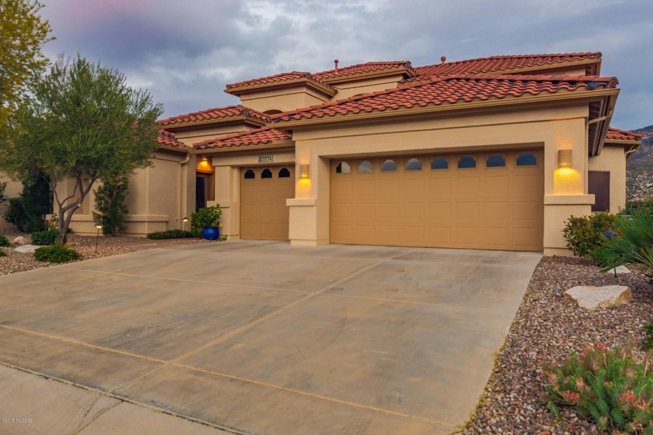 37741 Desert Sun Drive - Photo 1