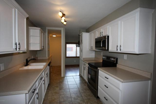 5500 W Flying W Street, Tucson, AZ 85713 (#21717282) :: Long Realty - The Vallee Gold Team