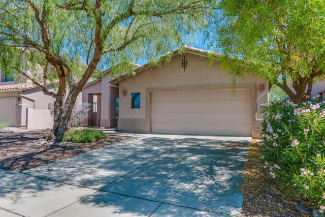 13737 N Carlynn Cliff Drive, Oro Valley, AZ 85755 (#21721016) :: Long Realty - The Vallee Gold Team