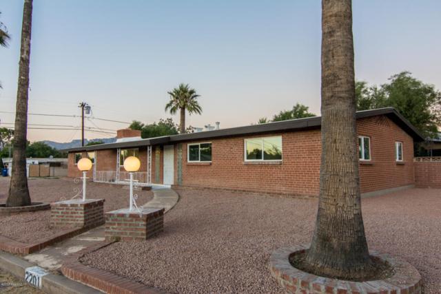 2201 E La Madera Drive, Tucson, AZ 85719 (#21728031) :: Long Realty Company