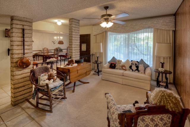 3831 N Tres Lomas Place, Tucson, AZ 85749 (#21729773) :: The Josh Berkley Team