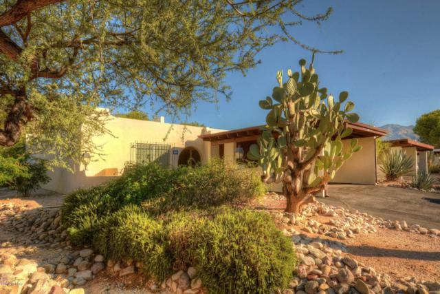 4829 N Via Entrada, Tucson, AZ 85718 (#21801855) :: RJ Homes Team