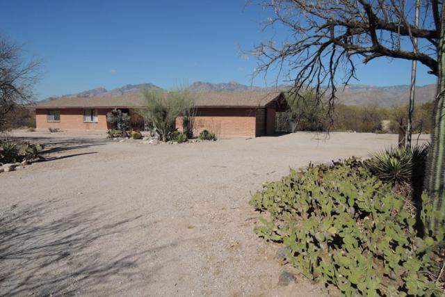 9100 E Indian Hills Road, Tucson, AZ 85749 (#21801901) :: Long Realty - The Vallee Gold Team