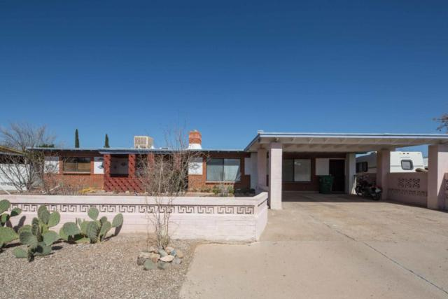 2560 W Tolosa Circle, Tucson, AZ 85746 (#21805886) :: Long Realty Company