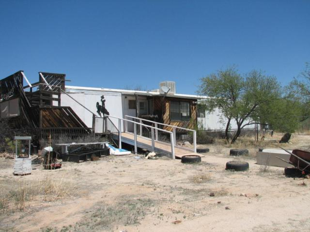 140 Buffalo Trail, Benson, AZ 85602 (#21811670) :: Long Realty - The Vallee Gold Team