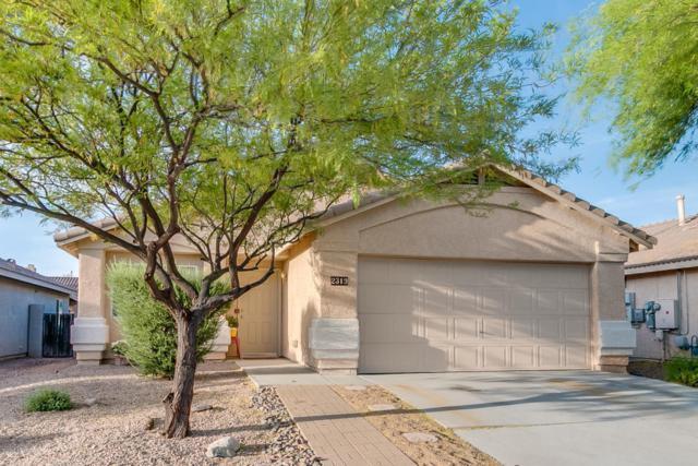 2319 E Precious Shard Court, Oro Valley, AZ 85755 (#21813679) :: Keller Williams