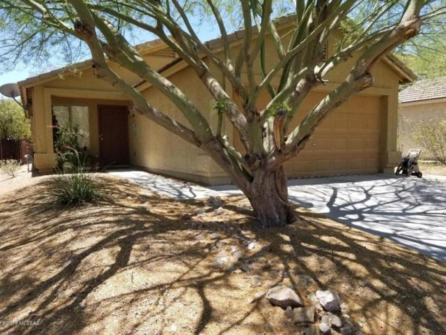411 W Cedar Chase Drive, Green Valley, AZ 85614 (#21817060) :: My Home Group - Tucson