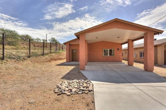 1052 N Kelsey Avenue, Nogales, AZ 85621 (#21820647) :: Gateway Partners at Realty Executives Tucson Elite