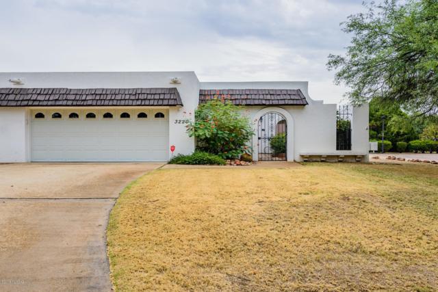 3220 N Sabino Vista Circle, Tucson, AZ 85750 (#21825368) :: The Josh Berkley Team